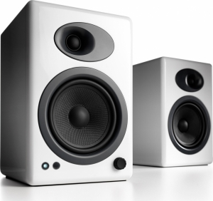Audioengine A5+ White Ζεύγος αυτοενισχυόμενων ηχείων βιβλιοθήκης σε Ασπρο